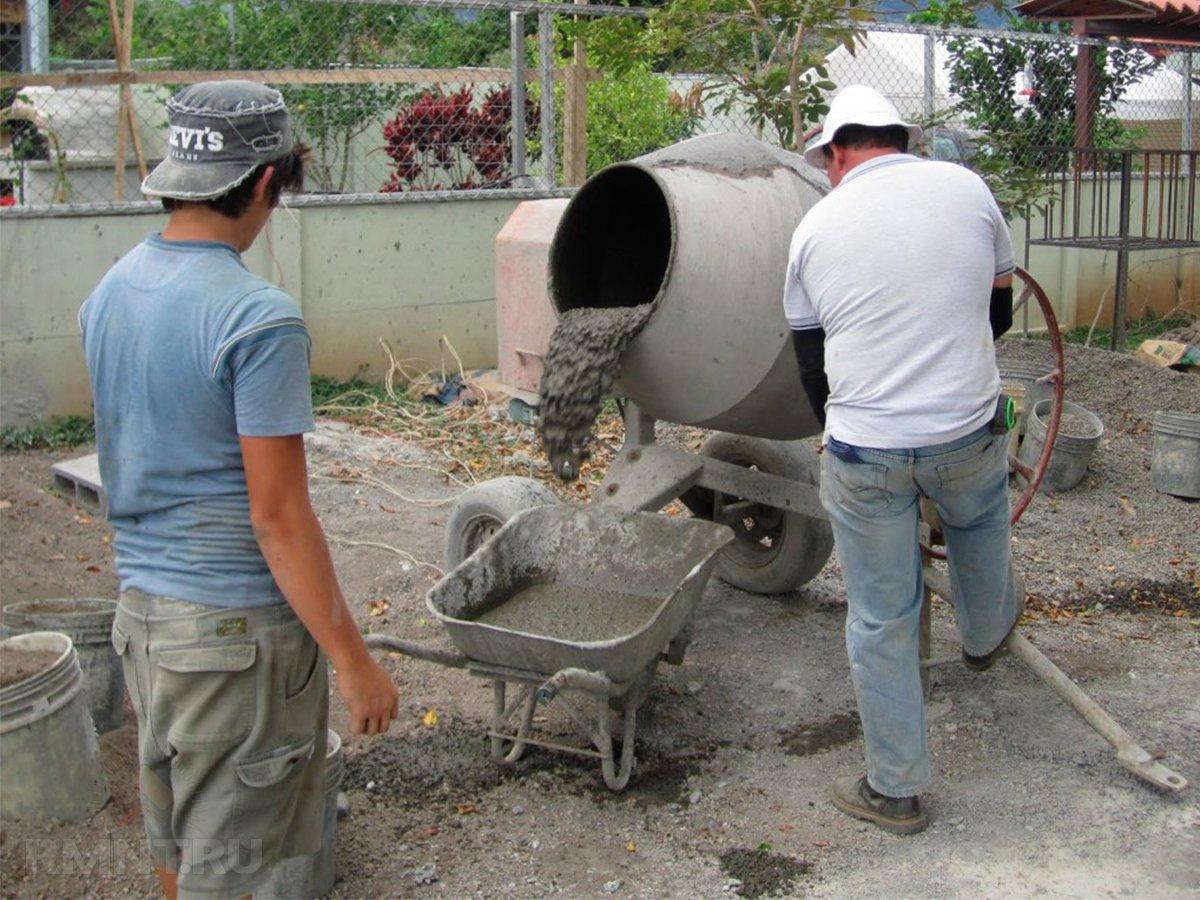 как готовить бетон в бетономешалке