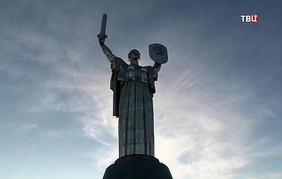 """Кличко пообещал создавать в Киеве """"угрожающие"""" памятники"""