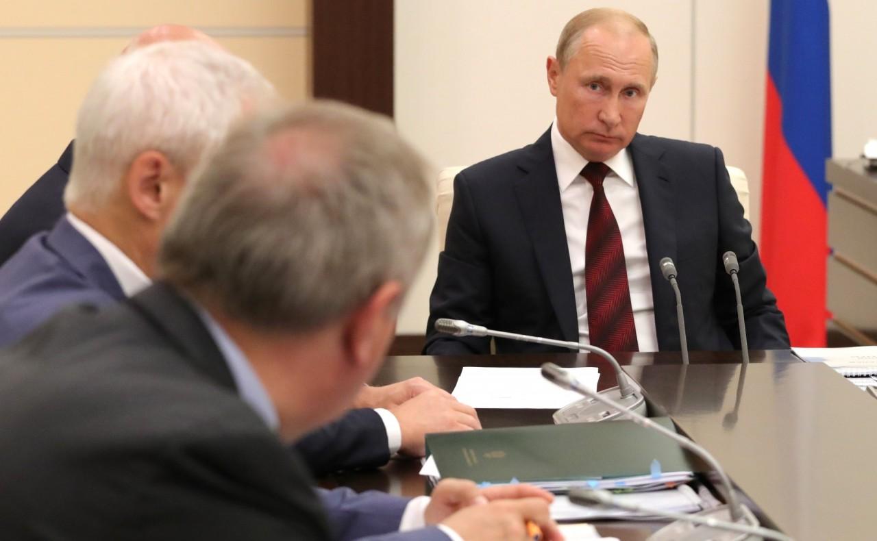 Москва, Кремль - Указы, законы, поручения, изменения.