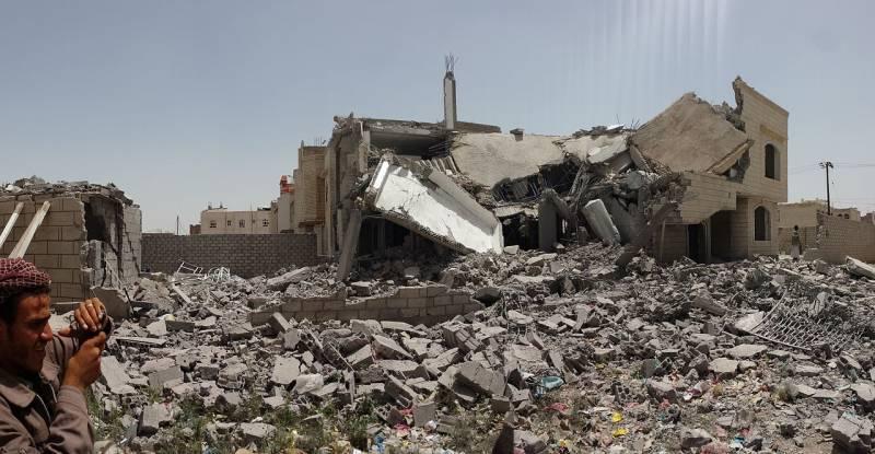 Слабый не сдаётся, сильный хочет мириться. Особенности интервенции в Йемене геополитика