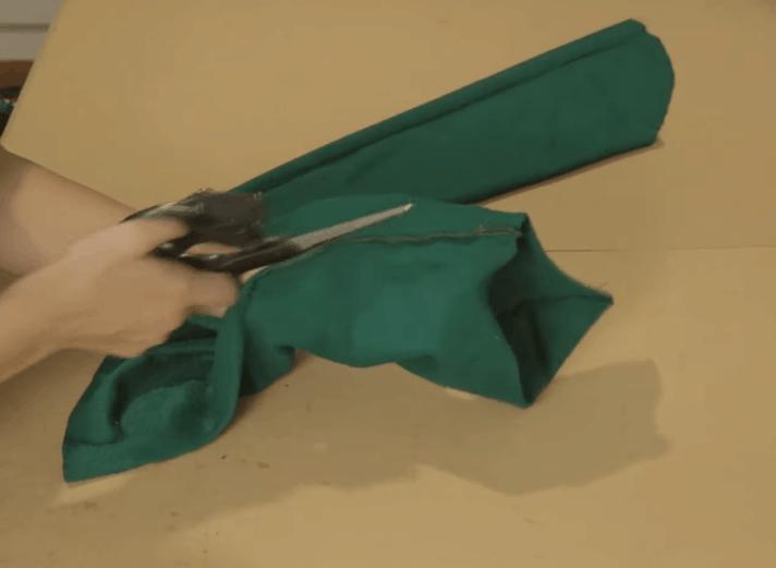 Оригинальная переделка обычного свитера одежда,переделки,рукоделие,сделай сам