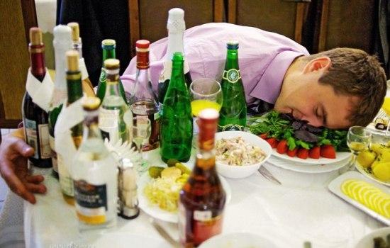 Коньяк, вино и шампанское – почему они действуют на организм по-разному. Что менее вредно?
