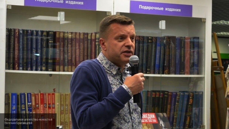 Писатель Меркури раскритиковал Парфенова за нарушение самоизоляции