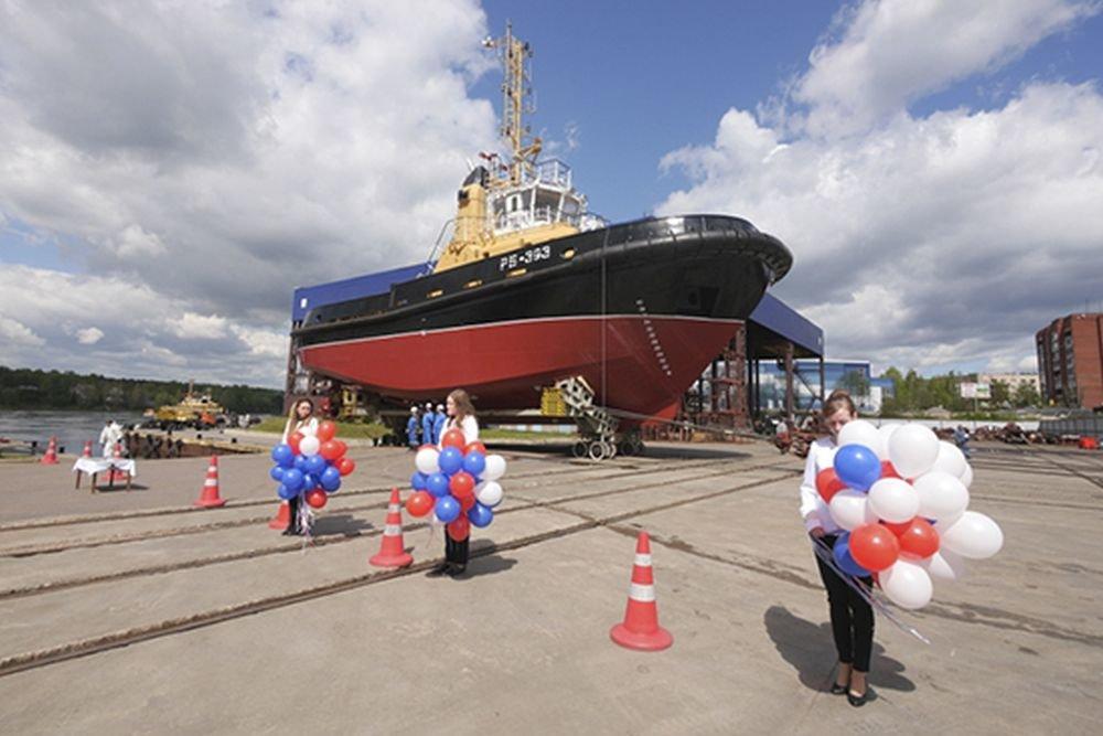 В Петербурге спустили на воду буксир для ВМФ России
