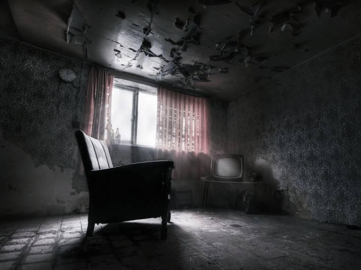 Эта квартира забрала жизнь трёх разных людей. И это уже не похоже на случайность