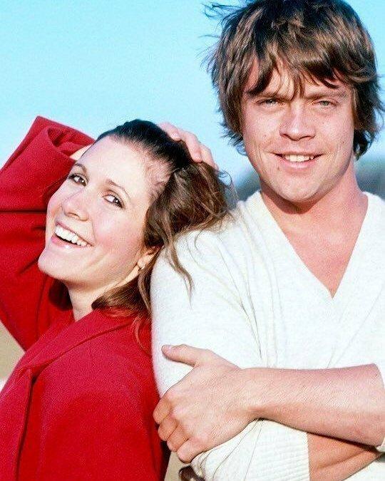 Марк Хэмилл и Кэрри Фишер, 1980 год знаменитости, исторические фотографии, история, редкие фотографии, фото