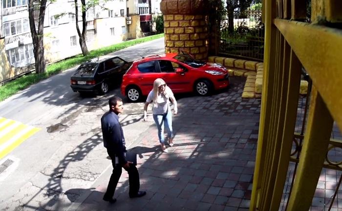Два парня пытались похитить …
