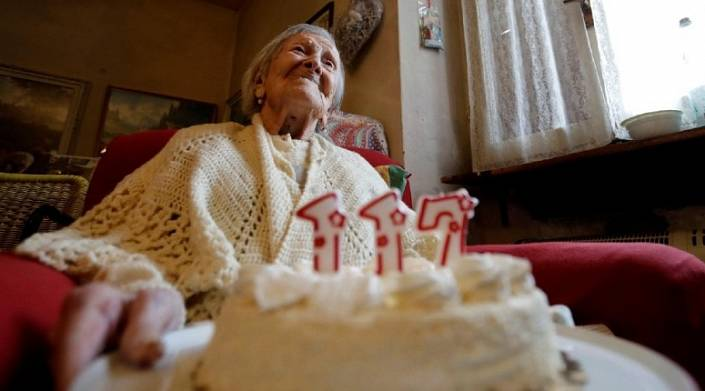 Мы все умрем: возможна ли старость без болезней?