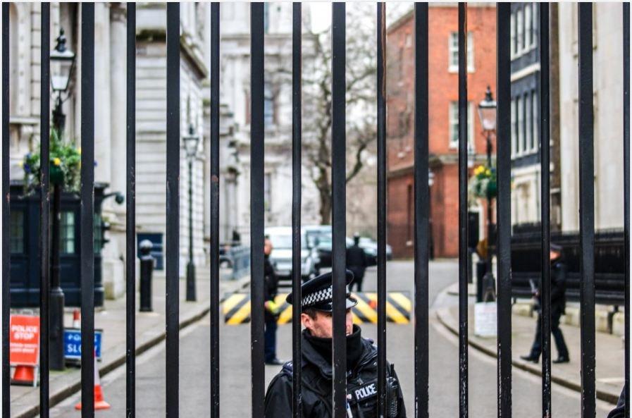 «Бесполезно доказывать, что мы не закусываем балалайкой»: эксперт о третьем подозреваемом в деле Скрипалей