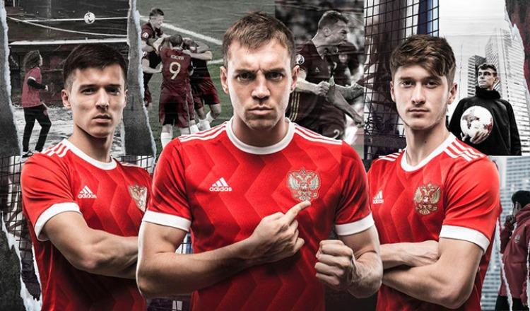 Россия чествует: сборную по …