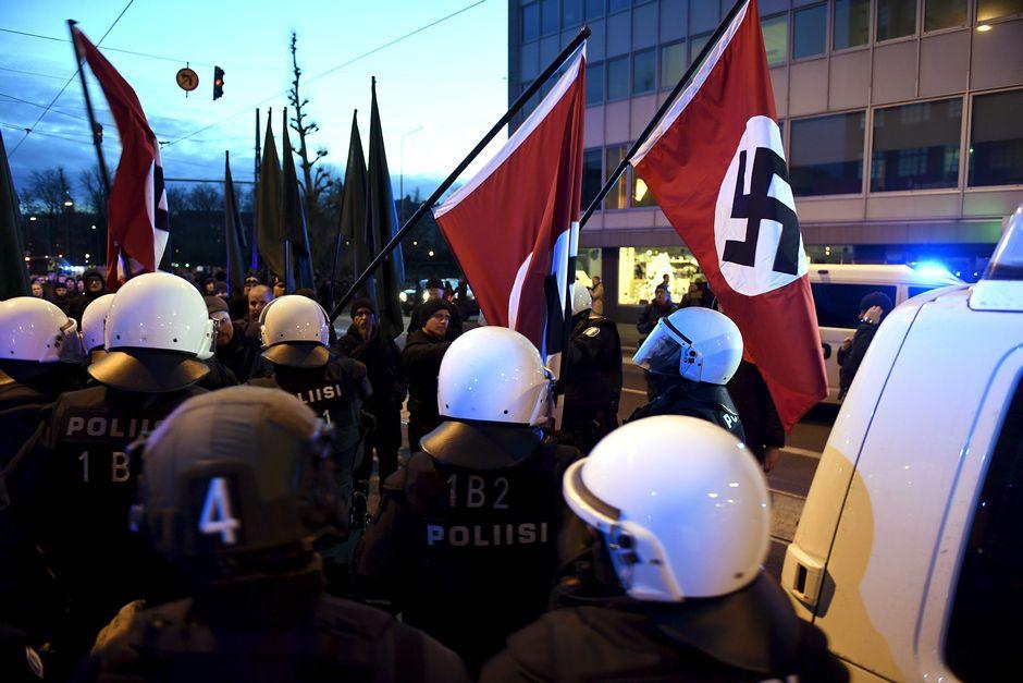 Хельсинки. Марш нацистов
