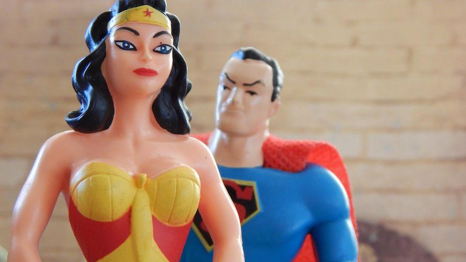 Зачем женщине мужской гормон