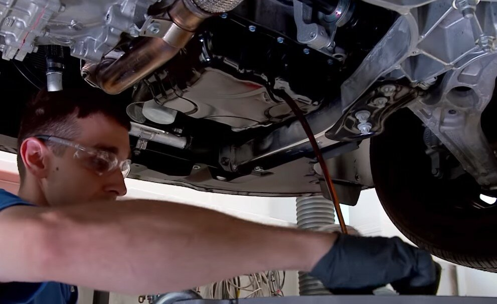Зачем на автомобилях сливают масло и другие технические жидкости перед краш-тестом авто,авто и мото,автосамоделки,водителю на заметку,машины,ремонт,Россия,советы,тюнинг