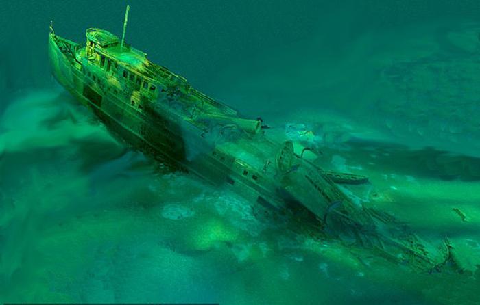 Затонувшее судно Manasoo.