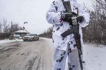 Побывавший в Донбассе немецкий депутат рассказал о «военных РФ» на Украине