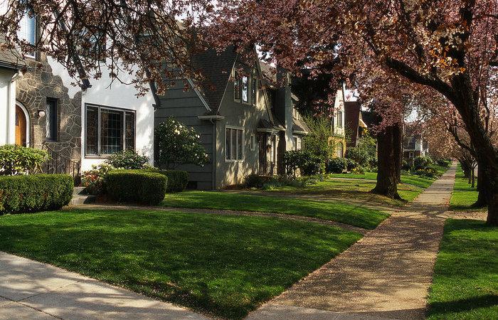 Почему американцы не строят заборов перед домами