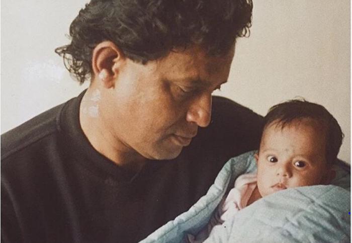 Звезда индийского кино стал отцом девочки из мусорного бака. Посмотрите на них сейчас