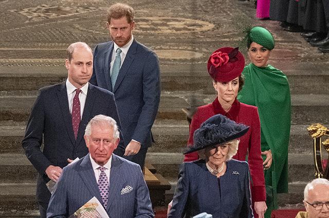 """Принцу Гарри приходится трудно в США: """"Его переполняет чувство вины"""" Монархии"""