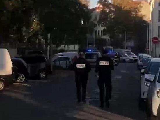 Во французском Лионе неизвестный выстрелил в православного священника