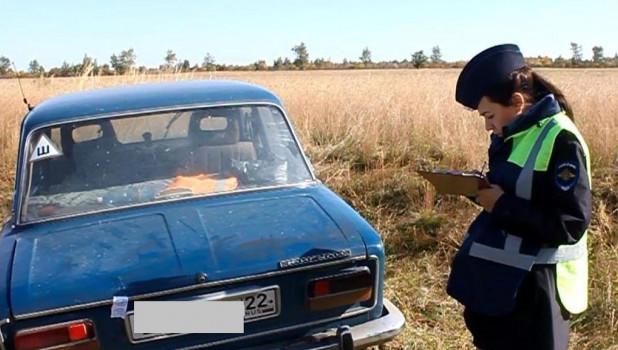 Житель Алтая угнал три машин…
