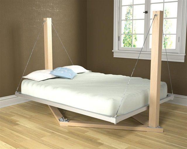 Необычная кровать подвесного типа