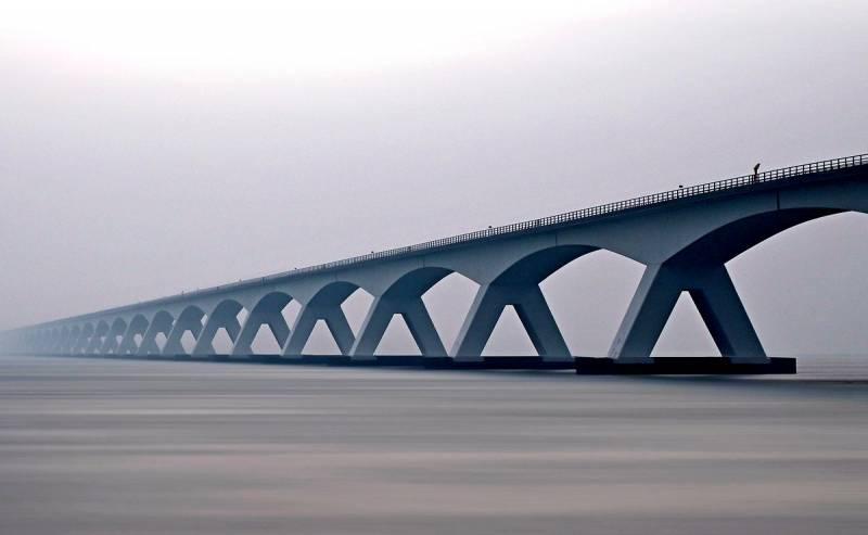 Из мегапроекта в мегапровал: разорит ли Россию Сахалинский мост?