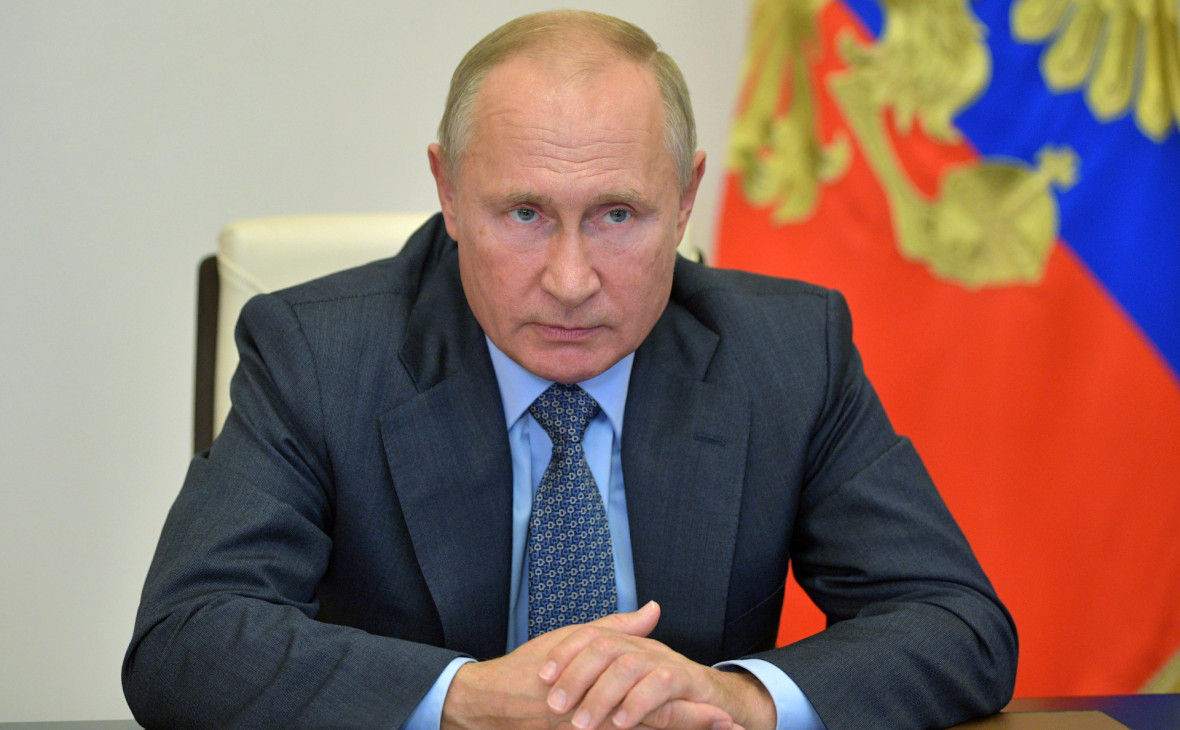 Путин призвал прекратить бои в Карабахе