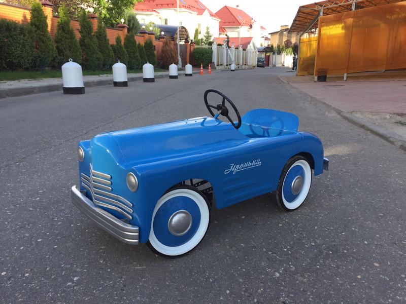 Автомобили на педальной тяге из времён советского детства