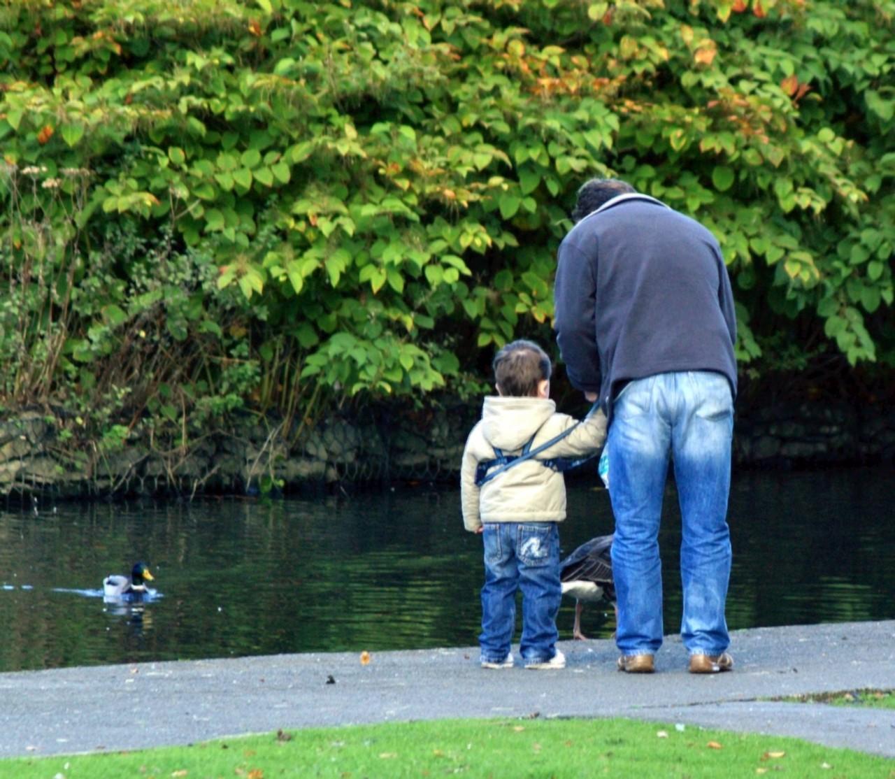 На прогулку с маленьким ребенком