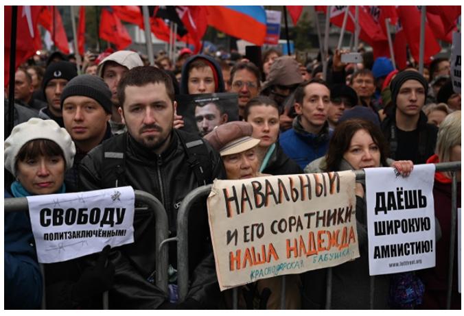 Социология: число россиян, одобряющих деятельность Навального, за год выросло вдвое Навальный,политика,россияне