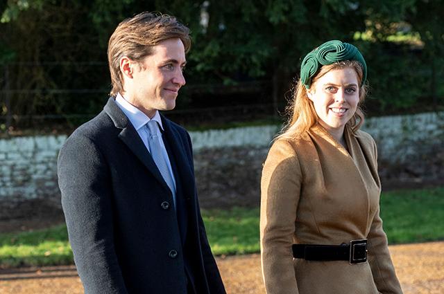 Принцесса Беатрис и Эдоуадо Мапелли-Моццо официально отменили свою свадьбу в мае из-за коронавируса Монархии