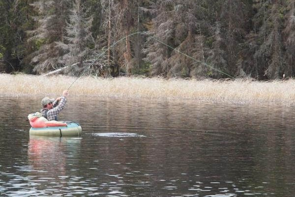 Ловля нахлыстом с лодки