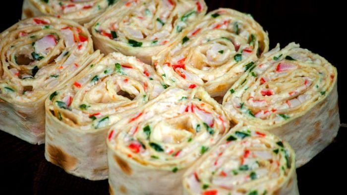Если есть лаваш и что-нибудь еще, то вкусная еда обеспечена. /Фото: i.pinimg.com