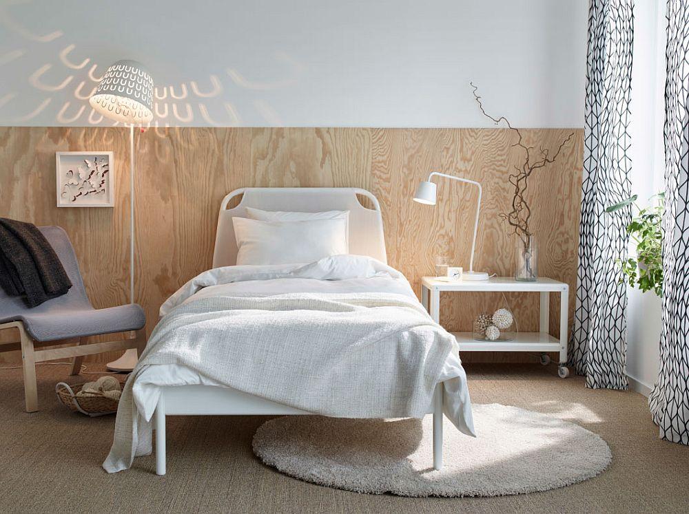 Дизайнерский белый светильник в интерьере спальни