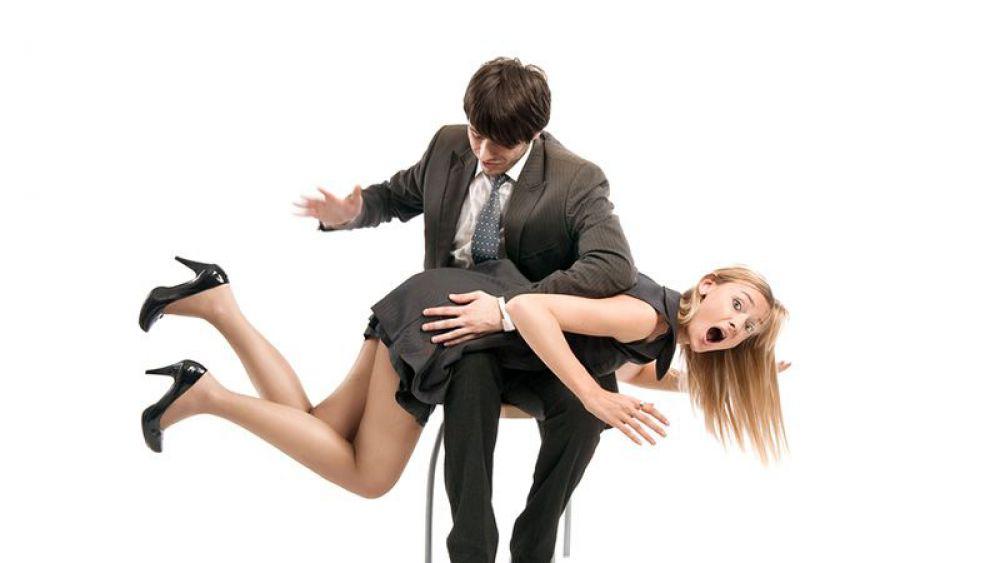про муж шлепает жену делать