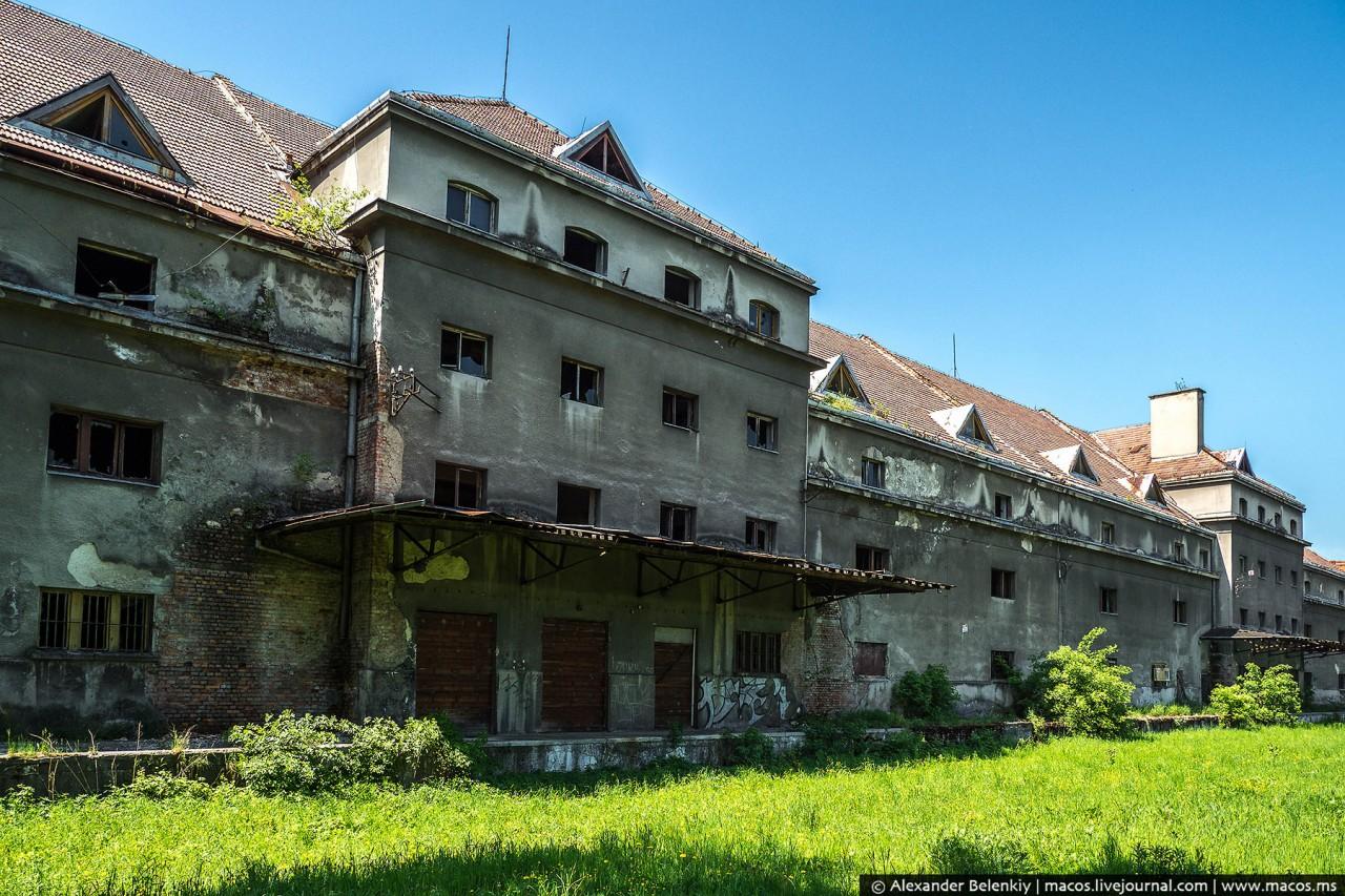 Картинки по запросу Реновация Освенцима: кто и как живёт в бывших бараках лагеря смерти
