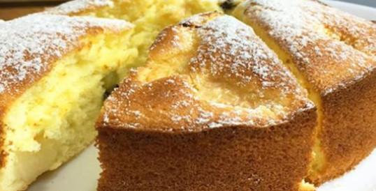 Соблазнительно вкусный и простой бисквитный пирог...