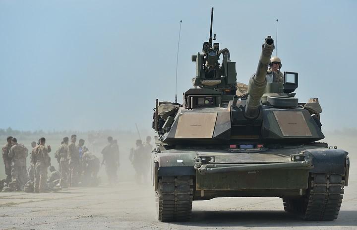 Трое американских военных пострадали при аварии с танком в Словакии