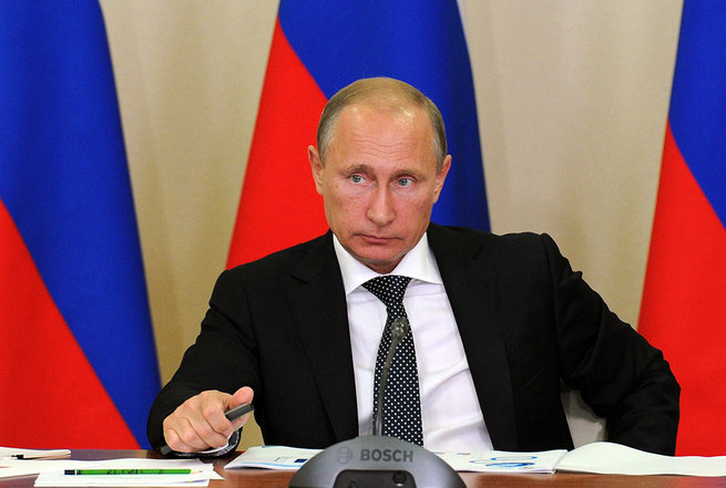 Путин запретил взыскание дол…