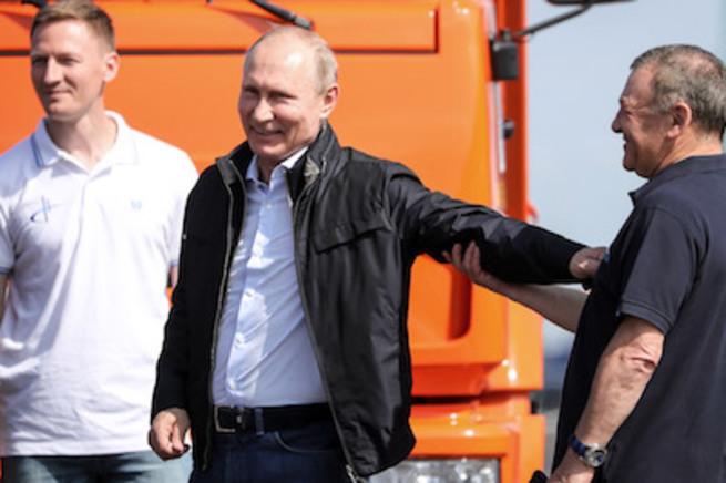 Путин свернул с дороги?