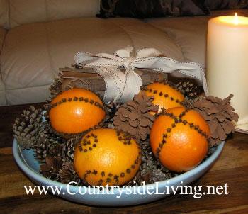 Помандеры из апельсинов и гвоздики.