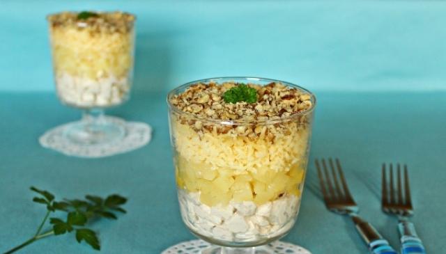 Простой салатик из доступных ингредиентов для праздничного стола