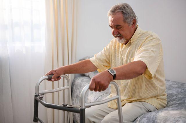 Социальная проблема. Как государство хочет изменить уход за пожилыми