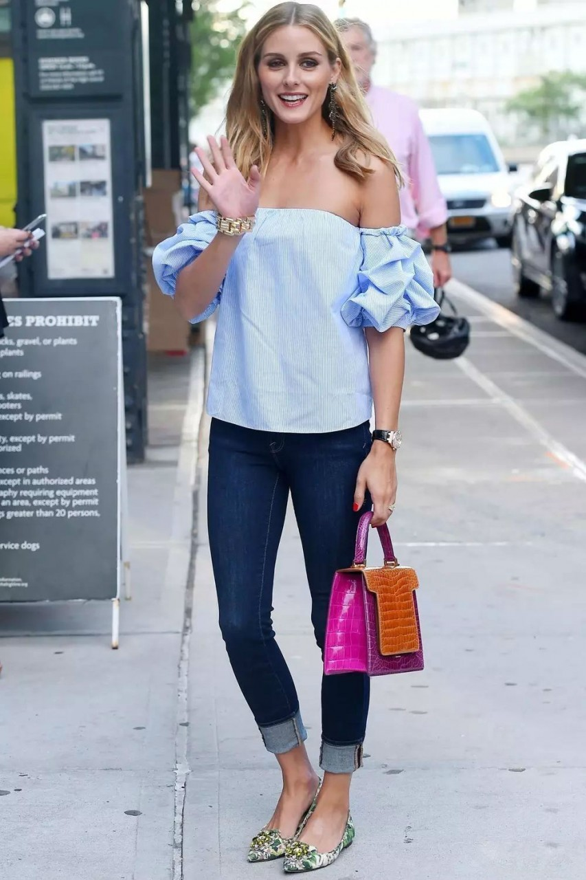 Оливия Палермо в бардо топе и джинсах