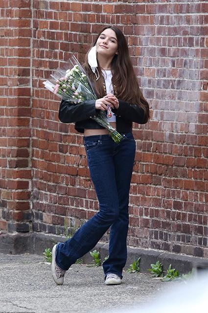 Цветы, прогулки с друзьями и поздравления от мамы: Сури Круз отметила 15-летие рождения, более, поверить, Вчера, запрещают, движения, религиозного, сайентологического, последователем, является, сайентологи, говорят, лично, поздравил, церкви, снимкамиА, архивными, поделилась, инстаграме, дочку