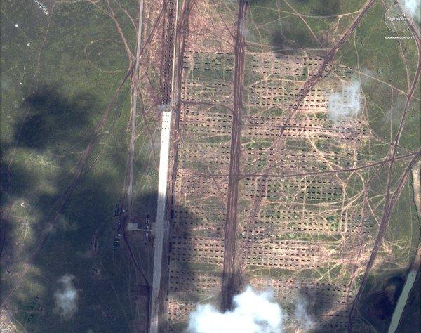 """Cнимки, сделанные над районом учений """"Восток 2018"""" с американских спутников; для Донбасса батареек нет..."""