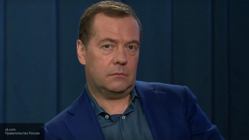 Медведев отметит свое 54-летие в кругу семьи