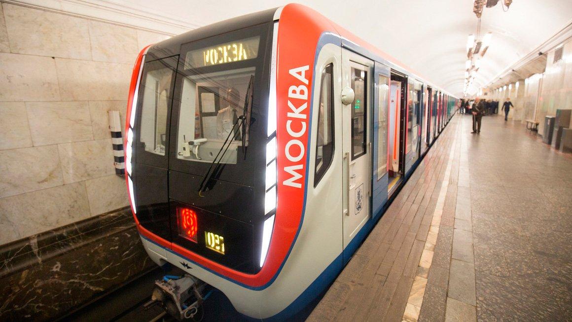 В московском метро 22-летняя девушка погибла под колесами поезда
