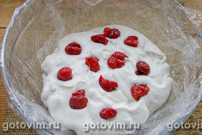 Желейный торт из печенья со сгущенкой без выпечки, Шаг 07