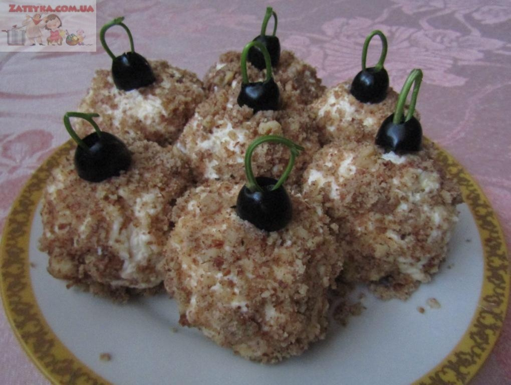 Праздничная новогодняя закуска «Елочные шары»